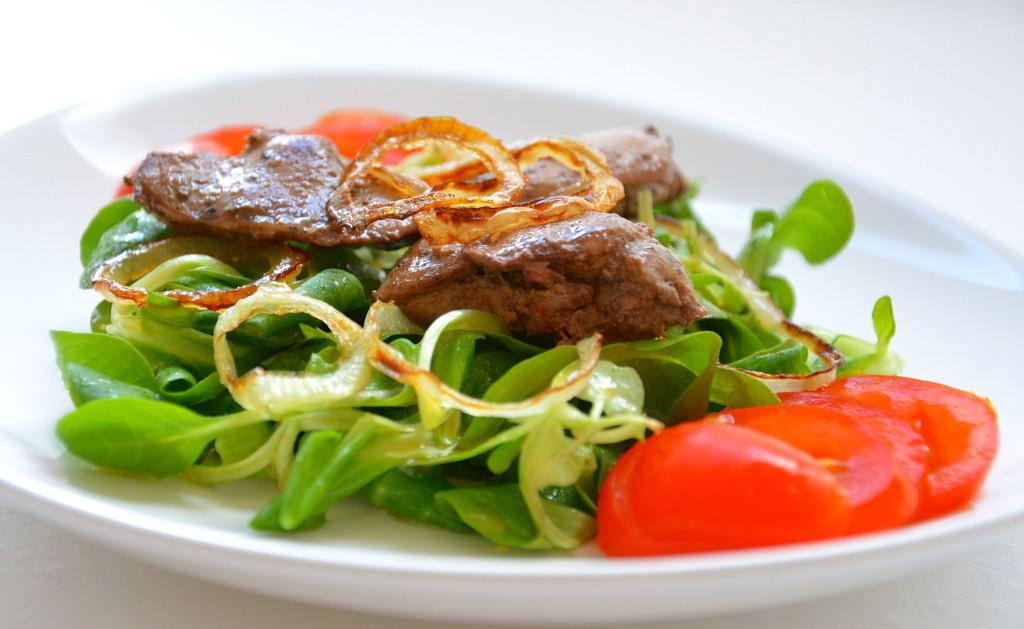 salat_s_pechenjyu_recept_2