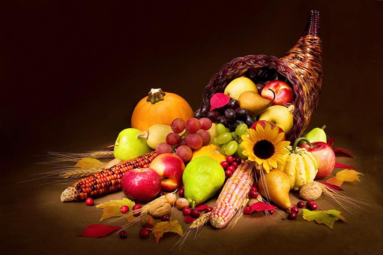 Fruit_Corn_Pumpkin_Apples_Pears_Nuts_Grapes_520635_1280x853